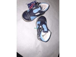 Vêtement pour enfants et chaussures filles et garçons