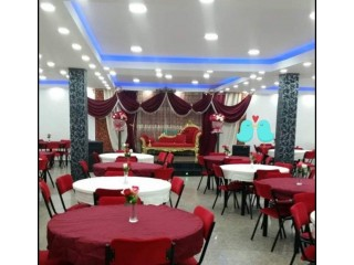 Villa ( salle dest fêtes) 1050 m2 + un f4 + garage et une cafétéria