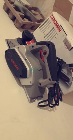 rabot-crown-electrique-710w-ct14019-big-1