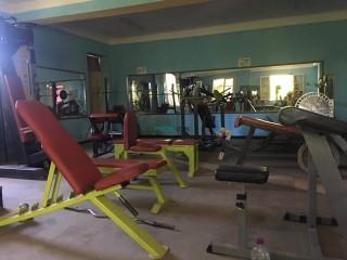 Salle de musculation complète