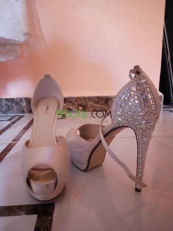 robe-de-soiree-et-ses-chaussures-big-0
