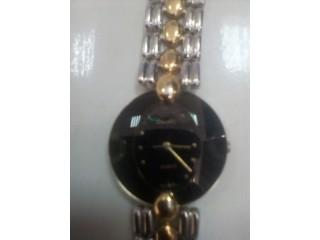 A vendre des montres femmes et hommes