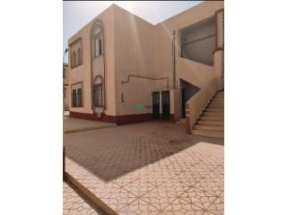 شقة 3 غرف بـ 3 اوجه الطابق الارضي سوبر بوزي بحي بوظهير بلدية عين معبد ولاية الجلفة