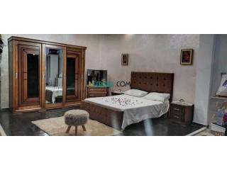 غرف نوم خشب احمر محلية الصنع جاهزة للتوصيل
