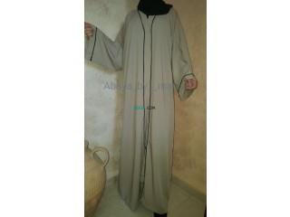 Abaya simple et classe