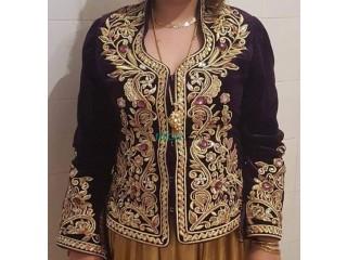 Veste karakou porté 2 fois presque neuve