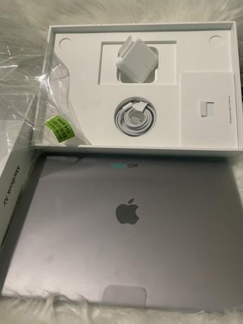 macbook-air-13-sous-emballage-big-2