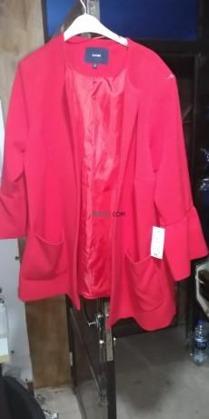 manteau-de-tres-bonne-qualite-de-couleur-rouge-big-1