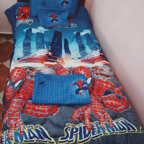 couette-hiver-spiders-man-big-3