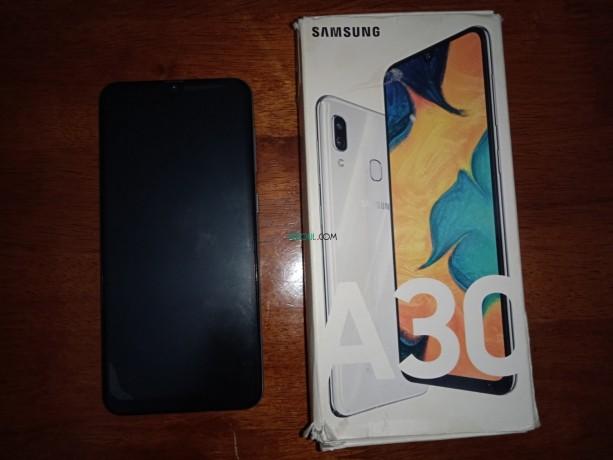 samsung-galaxy-a30-big-4