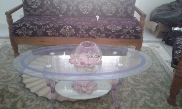 salon-5-places-avec-deux-tabourets-st-und-table-en-verre-big-2