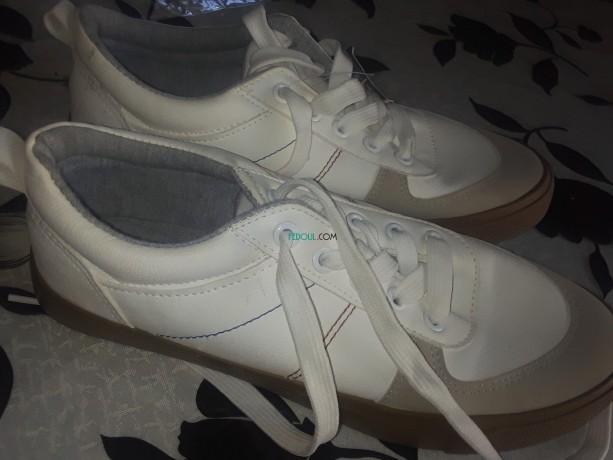 vente-de-chaussures-pour-femmes-big-1