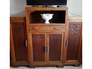 Armoire antiquite decoratif bois chaîne beau modèle.
