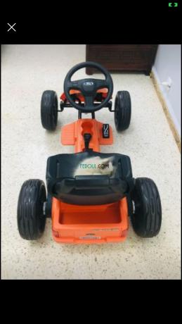 voiture-electrique-pour-enfants-big-0