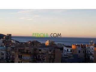Appartement F3 acté vue sur mer a Oran