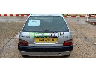 Citroen saxo 2002 essence