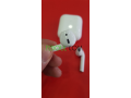 airpods-v2-recharge-sans-fil-sous-plastique-small-7