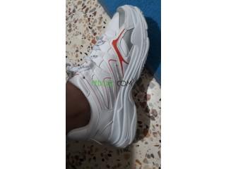 2 احذية مستعملة