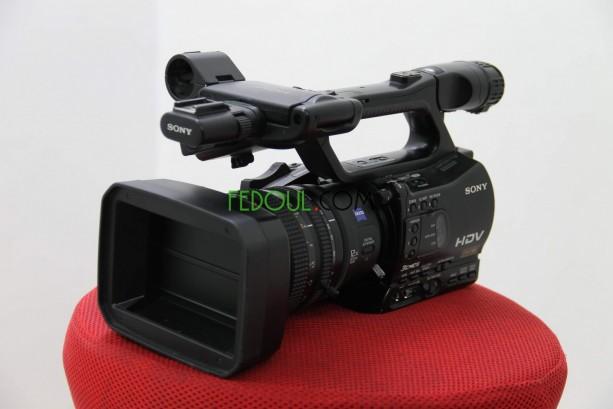 camera-sony-z7e-big-2