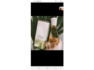 Des parfums coffret et la gam Victoria secret et produit cosmétique